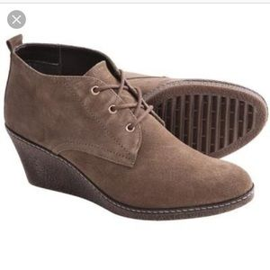 The Flexx Bread Pudding Suede boot size 7